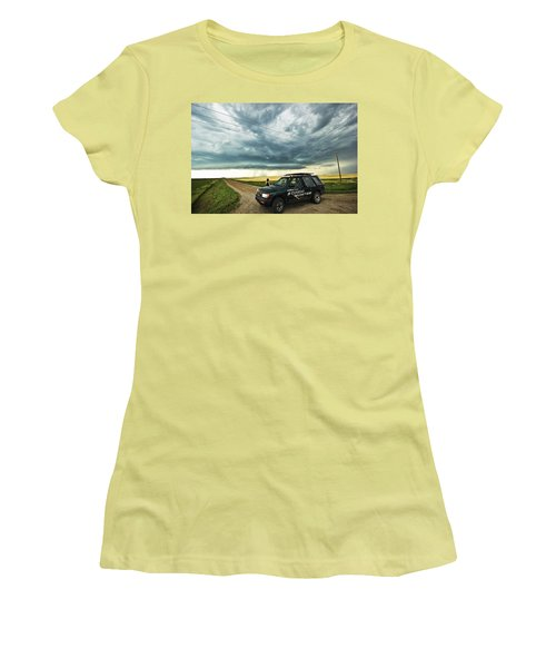 Shelf Cloud Near Vibank Sk. Women's T-Shirt (Junior Cut) by Ryan Crouse