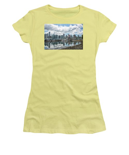 Vancouver Skyline Women's T-Shirt (Athletic Fit)