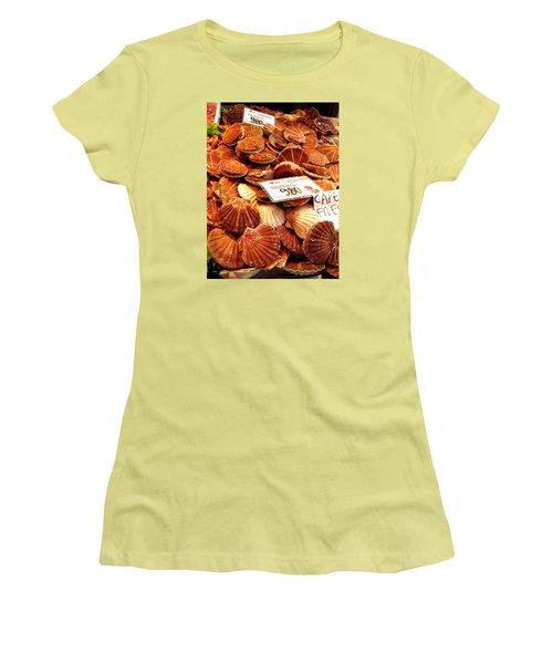 Venice Fish Market Women's T-Shirt (Athletic Fit)
