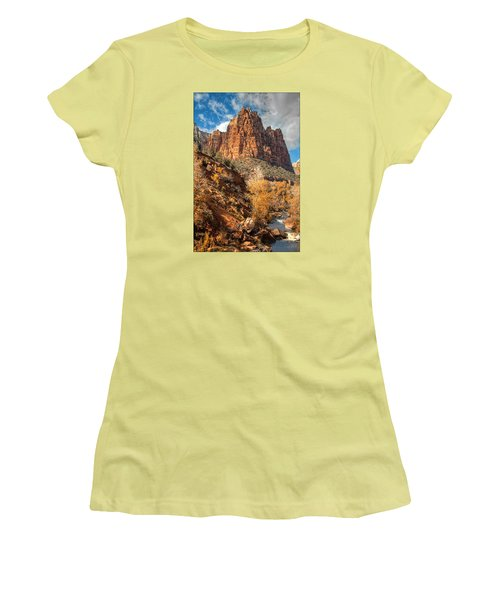 Zion National Park Women's T-Shirt (Athletic Fit)