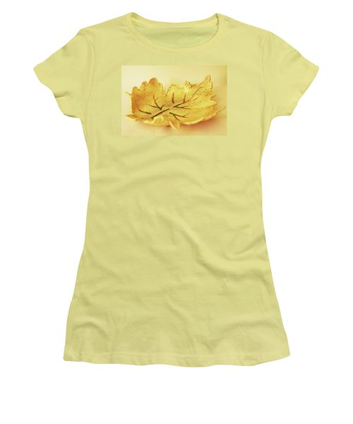 Leaf Plate2 Women's T-Shirt (Athletic Fit)