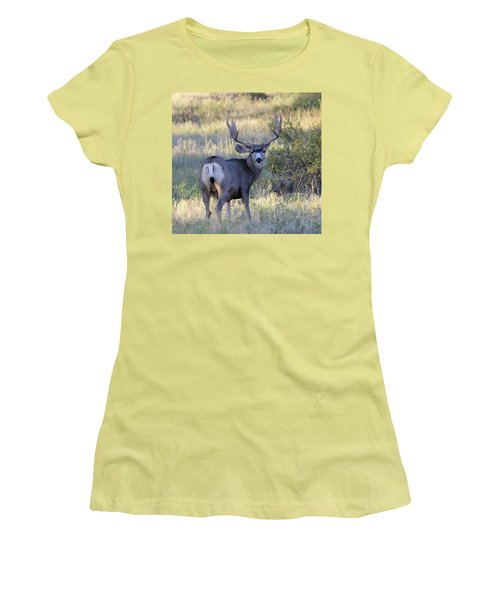 Looking Back Women's T-Shirt (Athletic Fit)