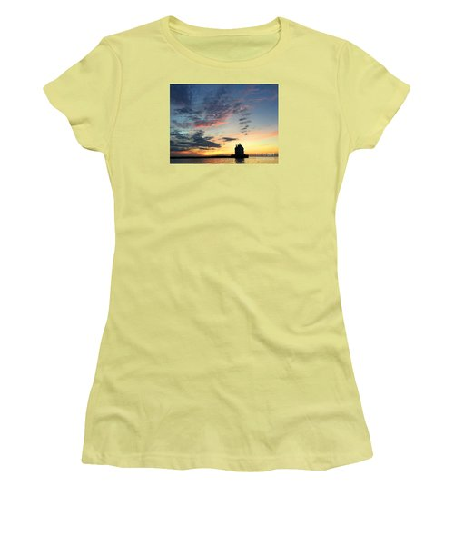 Lorain Lighthouse Women's T-Shirt (Athletic Fit)