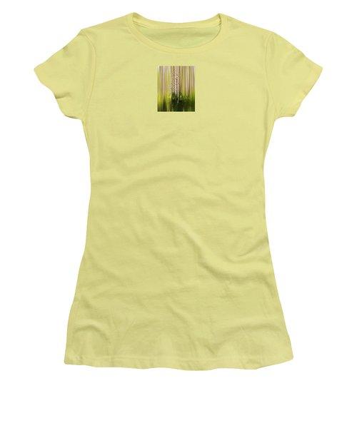 4012 Women's T-Shirt (Athletic Fit)