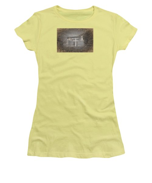 Abiquiu Nm Church Ruin Women's T-Shirt (Athletic Fit)