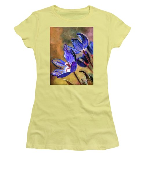 Abstracticus Tuliptimus Women's T-Shirt (Athletic Fit)