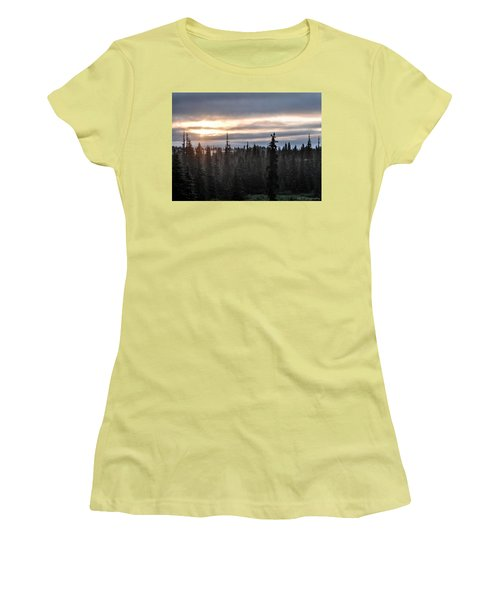 Alaskan Sunset Sunrise Women's T-Shirt (Athletic Fit)