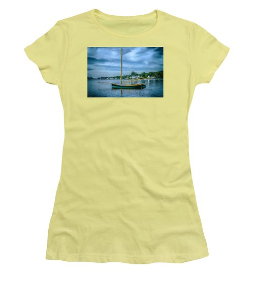 Annie, Mystic Seaport Museum Women's T-Shirt (Athletic Fit)