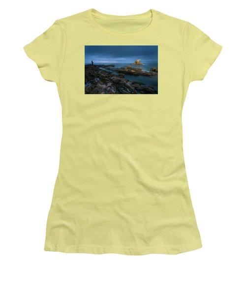 Arch Rock Women's T-Shirt (Athletic Fit)