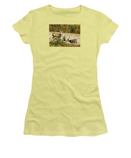 Mule Doe And Her Twins Women's T-Shirt (Junior Cut) by Bill Kesler