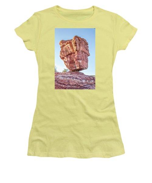 Balanced Rock In Garden Of The Gods, Colorado Springs Women's T-Shirt (Junior Cut) by Peter Ciro