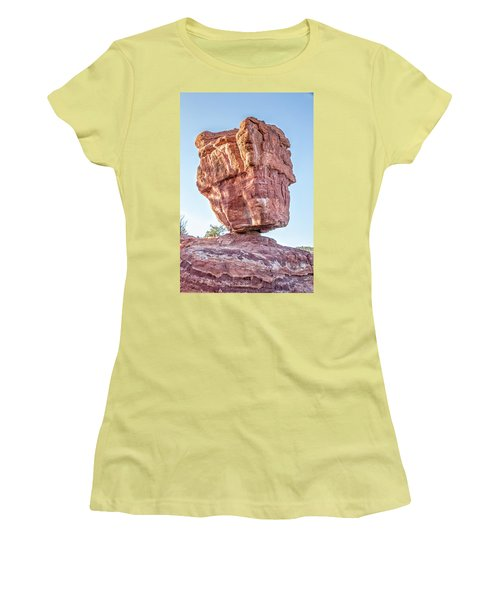 Balanced Rock In Garden Of The Gods, Colorado Springs Women's T-Shirt (Athletic Fit)