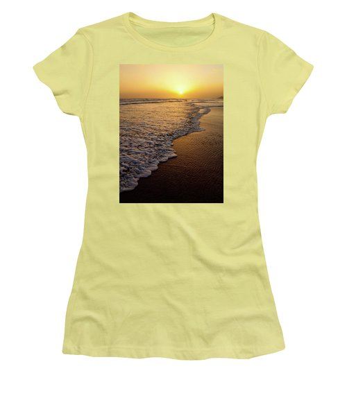 Beach Sunset Women's T-Shirt (Athletic Fit)