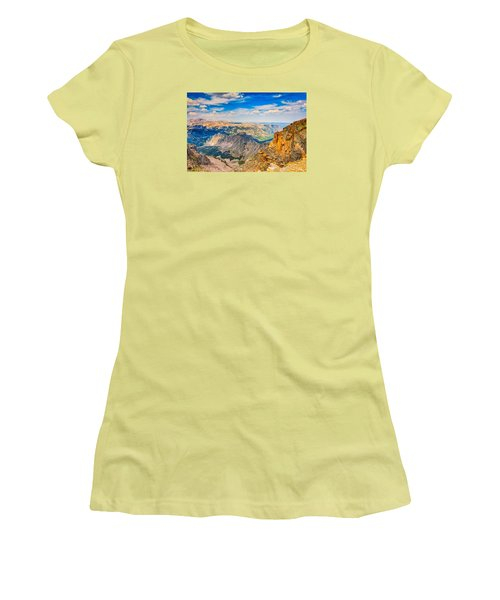 Women's T-Shirt (Junior Cut) featuring the photograph Beartooth Highway Scenic View by John M Bailey