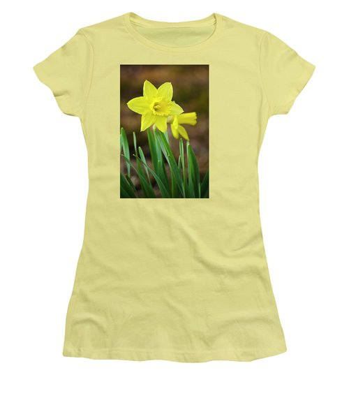 Beautiful Daffodil Flower Women's T-Shirt (Athletic Fit)