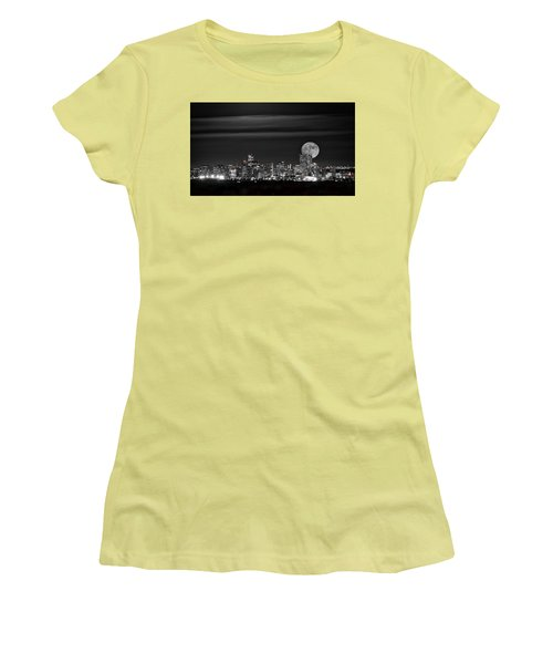 Beaver Moonrise In B And W Women's T-Shirt (Athletic Fit)