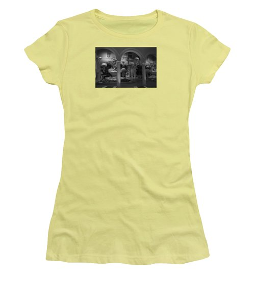 Bellagio Entrance Women's T-Shirt (Junior Cut) by Ivete Basso Photography