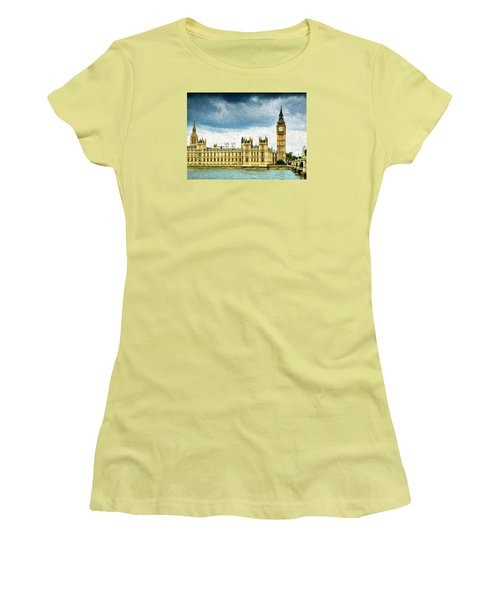 Big Ben And Houses Of Parliament With Thames River Women's T-Shirt (Athletic Fit)