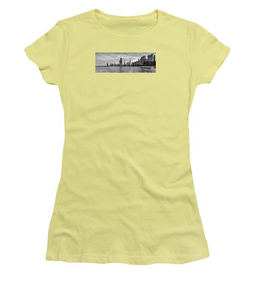Black And White Panorama Of Chicago From North Avenue Beach Lincoln Park - Chicago Illinois Women's T-Shirt (Athletic Fit)