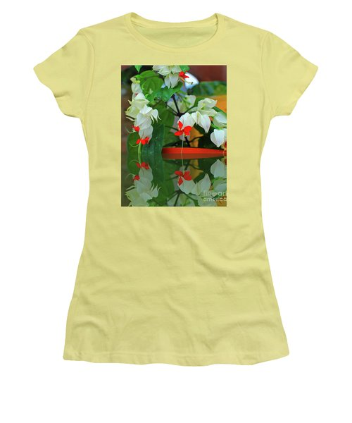 Bleeding Heart I Women's T-Shirt (Athletic Fit)