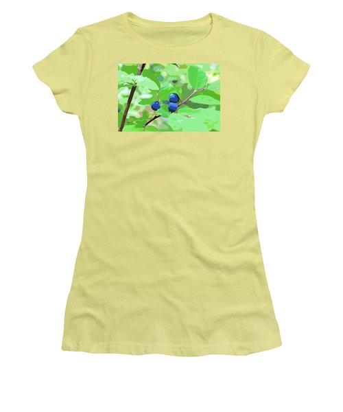 Blueberries Halftone Women's T-Shirt (Junior Cut) by Cathy Mahnke