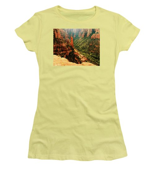 Brins Mesa 07-143 Women's T-Shirt (Athletic Fit)
