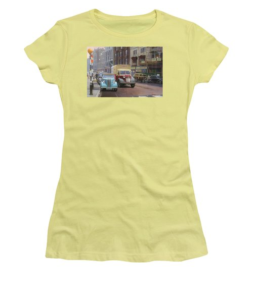 British Railways Austin K2 Women's T-Shirt (Junior Cut) by Mike  Jeffries