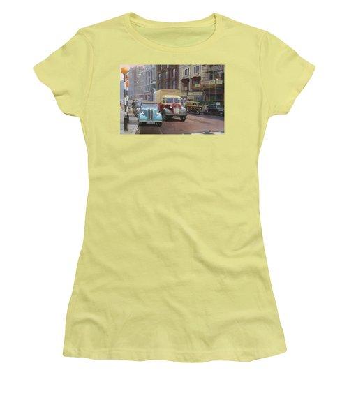 British Railways Austin K2 Women's T-Shirt (Athletic Fit)