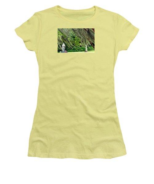 Women's T-Shirt (Junior Cut) featuring the photograph Brownwell Memorial Park by Helen Haw