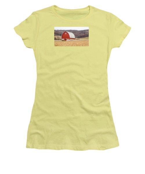Women's T-Shirt (Junior Cut) featuring the photograph Buffalo County Barn by Dan Traun