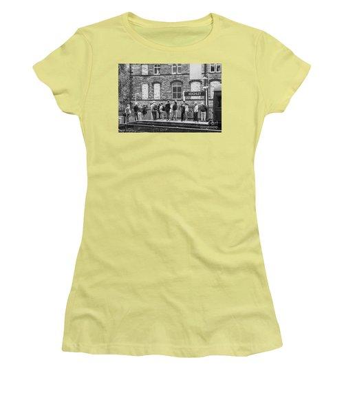 Busy Waiting Women's T-Shirt (Junior Cut) by David  Hollingworth