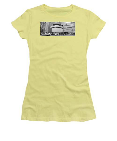 Bw Guggenheim Museum Nyc  Women's T-Shirt (Athletic Fit)