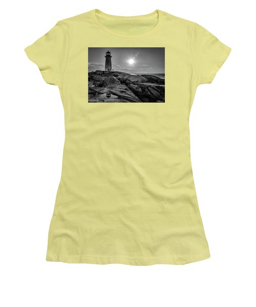 Bw Of Iconic Lighthouse At Peggys Cove  Women's T-Shirt (Athletic Fit)
