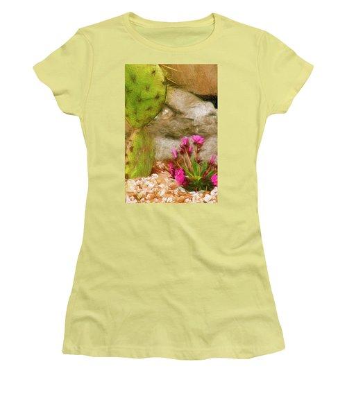Cactus Lines Women's T-Shirt (Athletic Fit)