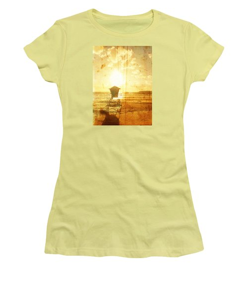 Californian Lifeguard Cabin Women's T-Shirt (Athletic Fit)