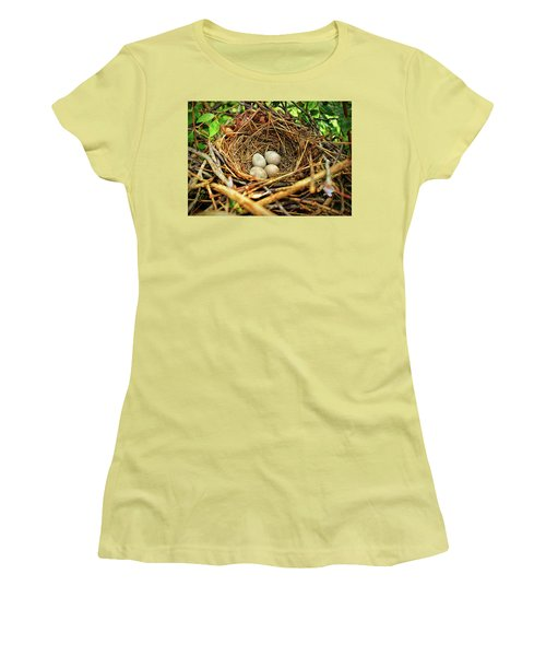 Women's T-Shirt (Athletic Fit) featuring the photograph Brown Thrasher Nest And Eggs by Bellesouth Studio