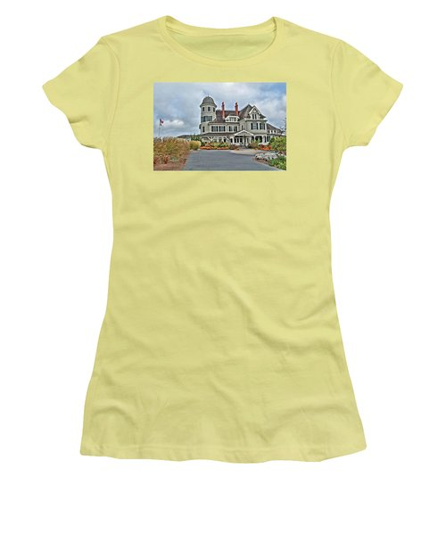 Castle Hill Inn Women's T-Shirt (Athletic Fit)