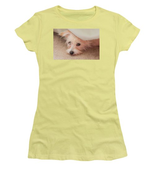 Chica In Hiding Women's T-Shirt (Athletic Fit)