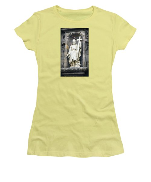 Church In Lima With Cross Women's T-Shirt (Athletic Fit)