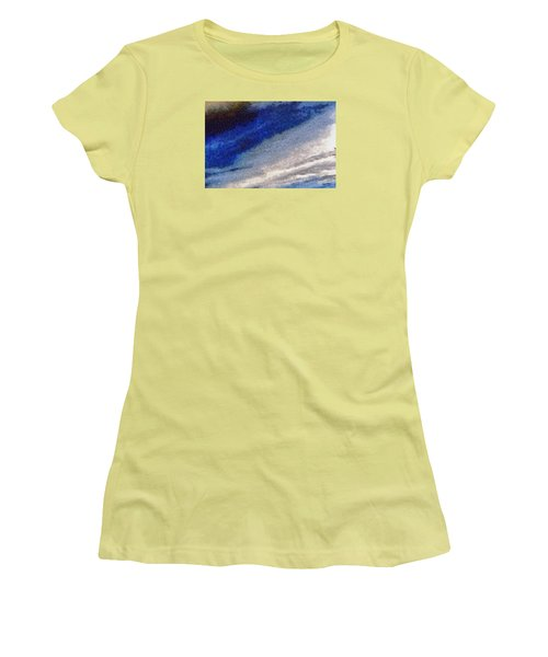 Clouds 10 Women's T-Shirt (Athletic Fit)