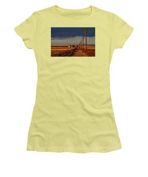 Colorado Farm Sunset Women's T-Shirt (Athletic Fit)
