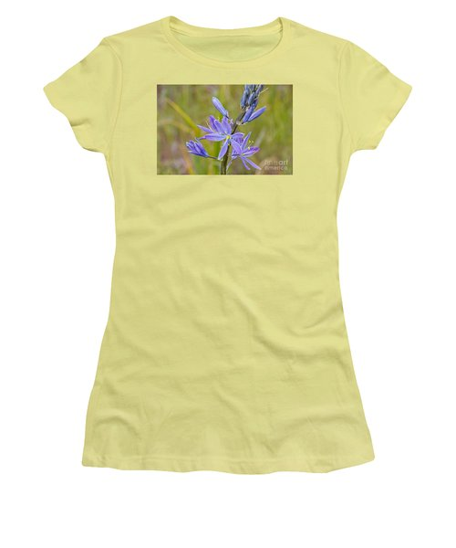 Common Camas Women's T-Shirt (Junior Cut) by Sean Griffin