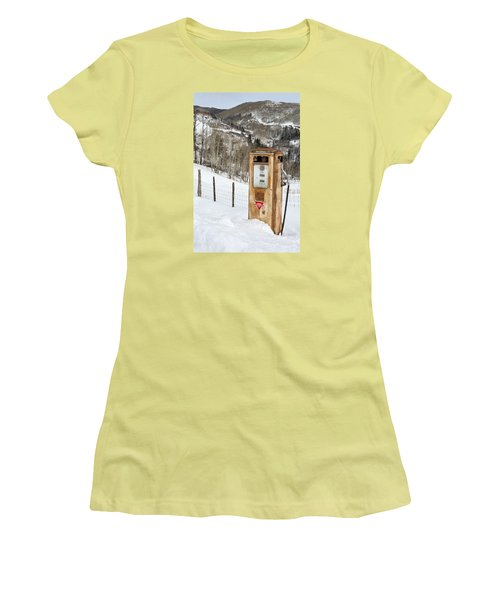 Conoco In The Snow Women's T-Shirt (Athletic Fit)