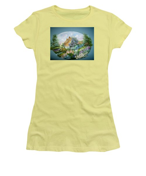 Cottage Vignette Women's T-Shirt (Athletic Fit)