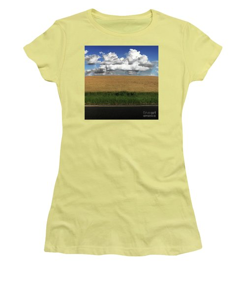 Country Field Women's T-Shirt (Athletic Fit)