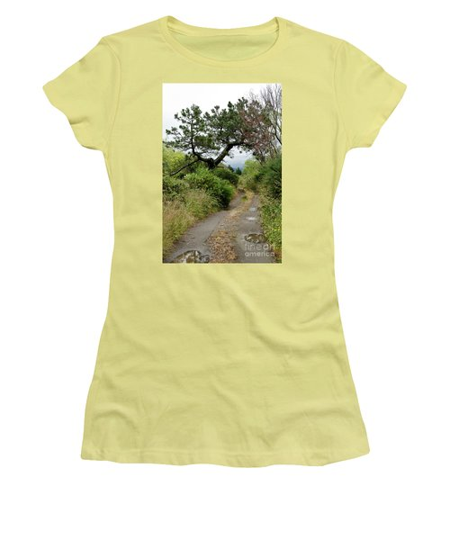 Country Road. New Zealand Women's T-Shirt (Junior Cut) by Yurix Sardinelly