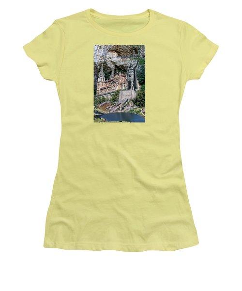 Covadonga Women's T-Shirt (Junior Cut) by Angel Jesus De la Fuente