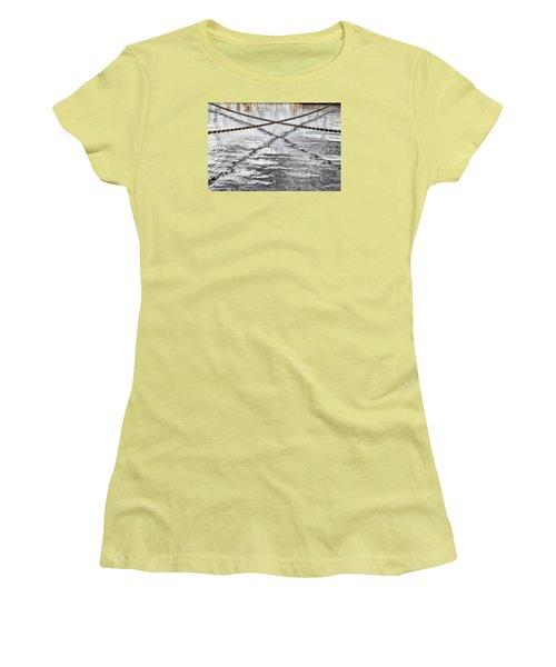 Women's T-Shirt (Junior Cut) featuring the photograph Criss-crossed by Edgar Laureano