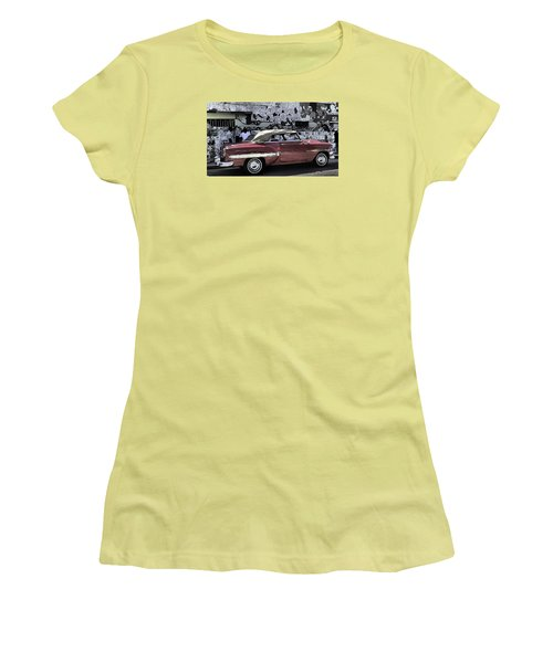 Cuba Cars 2 Women's T-Shirt (Athletic Fit)