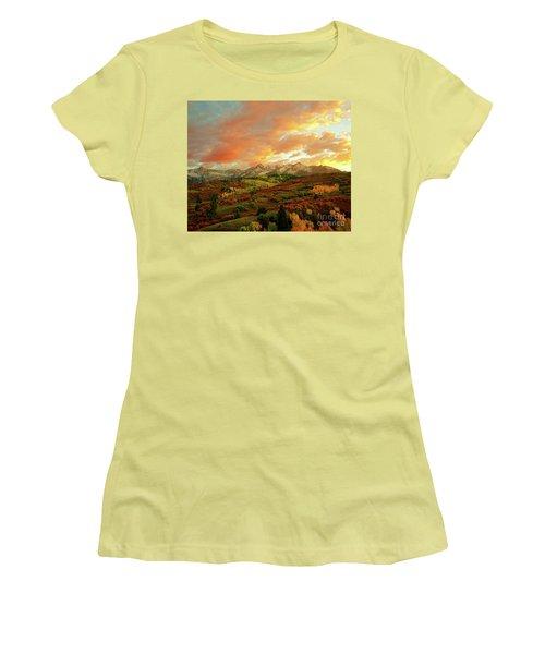 Dallas Divide Sunset Women's T-Shirt (Athletic Fit)